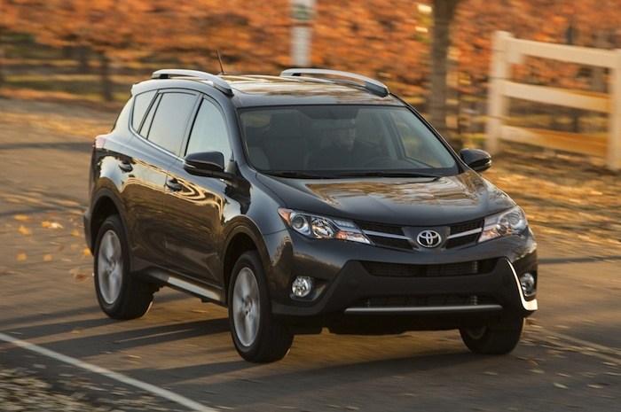 Toyota RAV4 2013 година