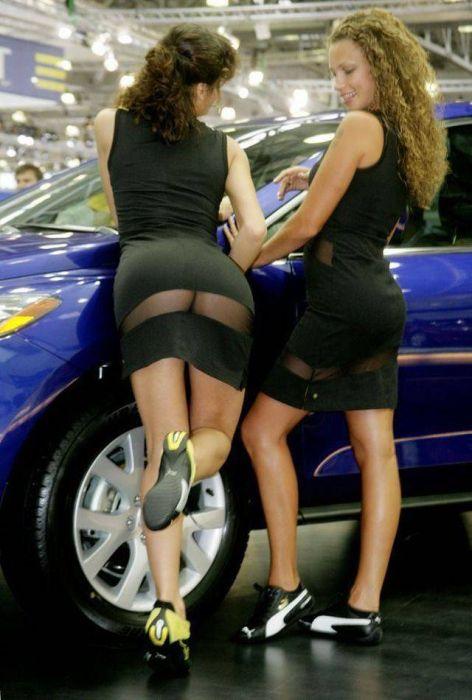 Момичета от автомобилните шоута